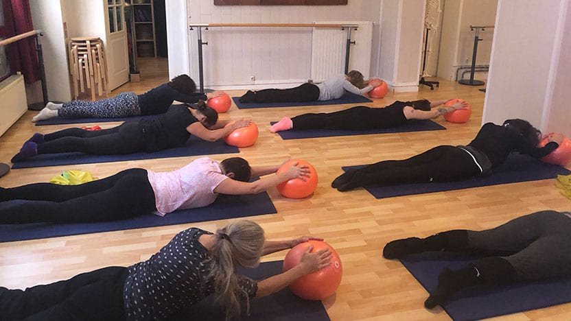 Mat class with Mini Stability Ball