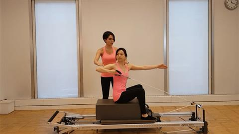 Exercise of the Month: STOTT PILATES® Modified Backhand with Rotation